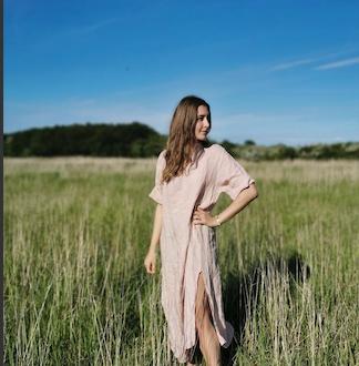 Julie jeans blue hørkjole forandler Lykke & velvære By Lil Helsingør Nordsjælland