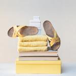 Shangies Sunlight yellow sandal forhandler Lykke & velvære Helsingør Nordsjælland 2